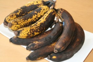 Bananas-ready-for-baking-480x320